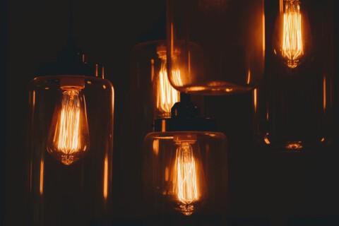 bright-bulbs-crystal-clear-dark-443428
